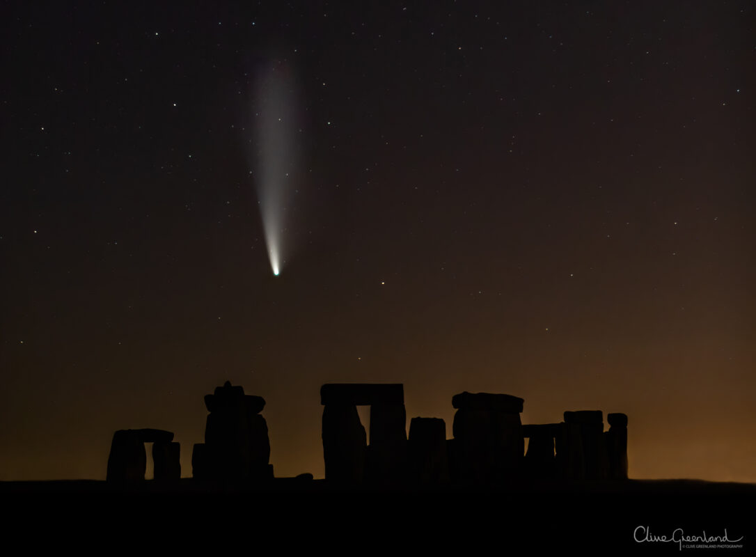 Permalink to:Comet NEOWISE over Stonehenge